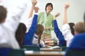 maestra-y-alumnos