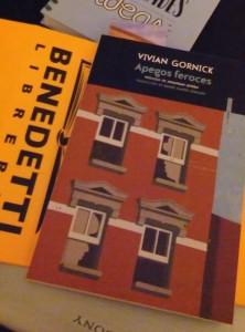 Apegos feroces. Vivian Gornick.  Editorial Sexto piso.